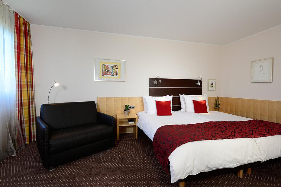 Komfort zimmer hotel uhu k ln for Zimmer hotel