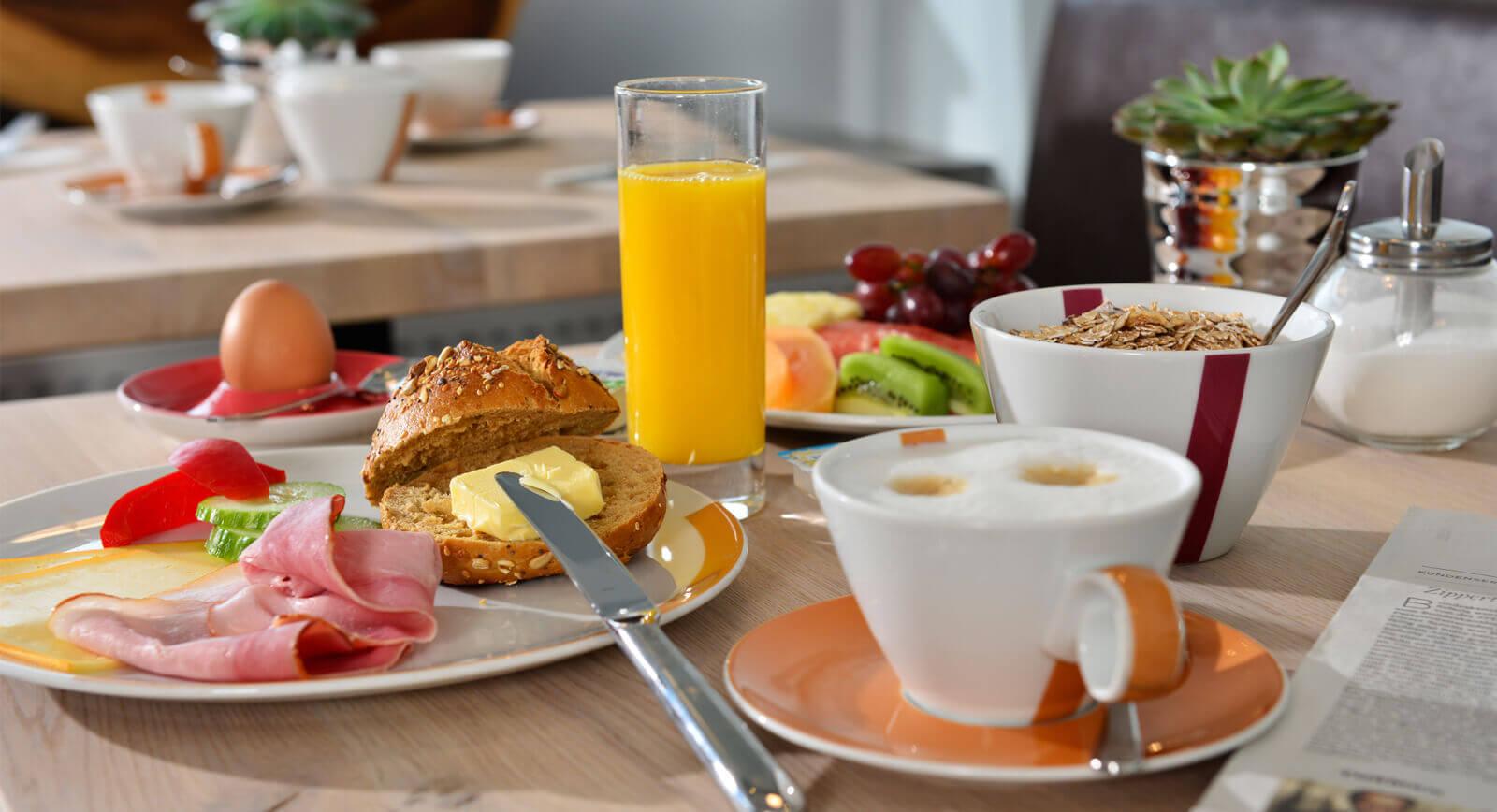 Hotel UHU Köln Frühstück