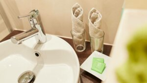 Badezimmer Hotel Koeln Garni Mediterana